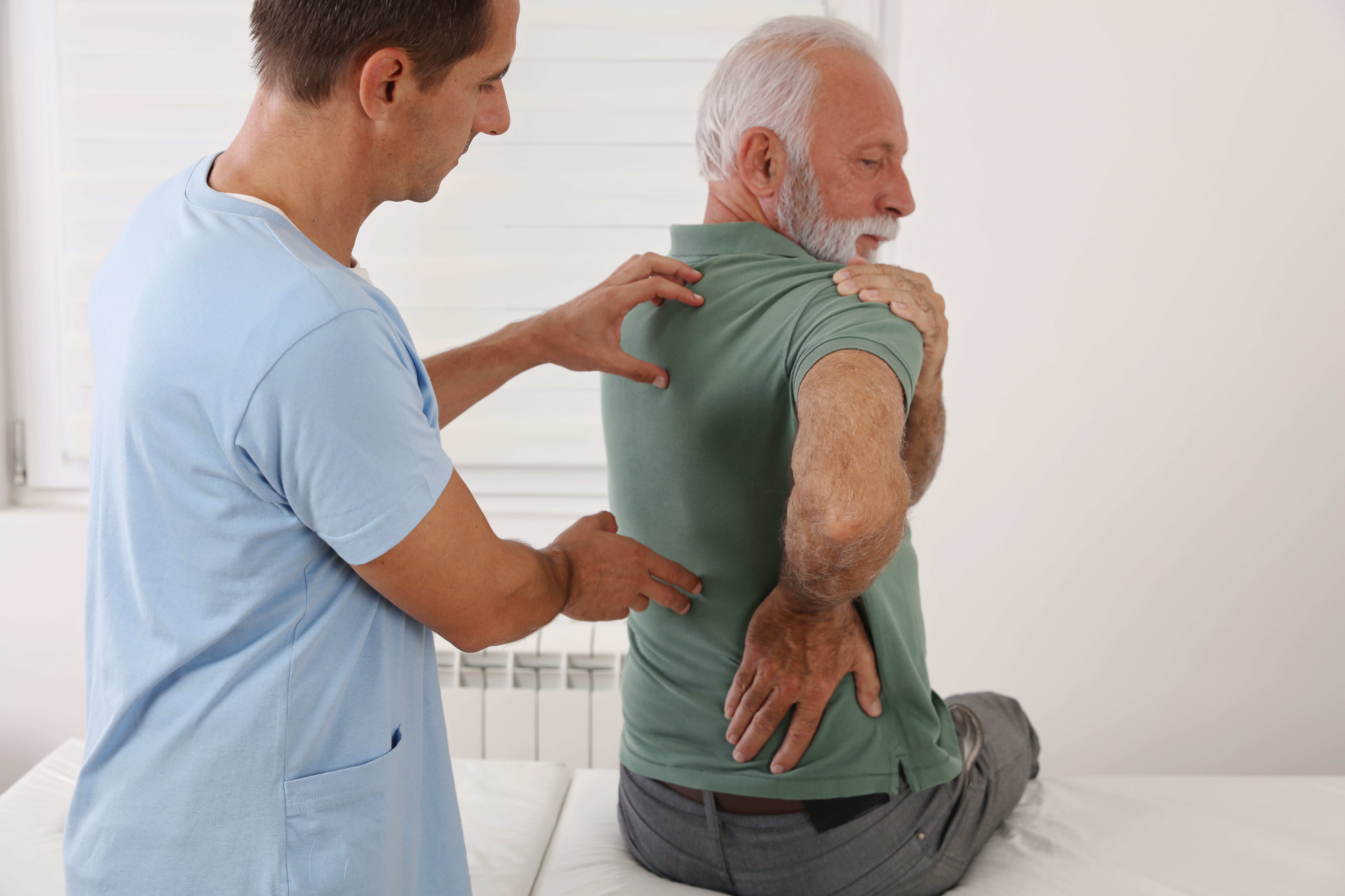 What are the Common Symptoms of Spinal Stenosis?